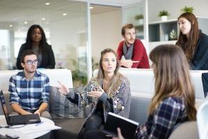 Spremljanje absolventov poklicnega in strokovnega izobraževanja